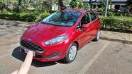 New Fiesta Hatch - Completo - Vermelho - Computador de bordo e Sensor de ré - 2014