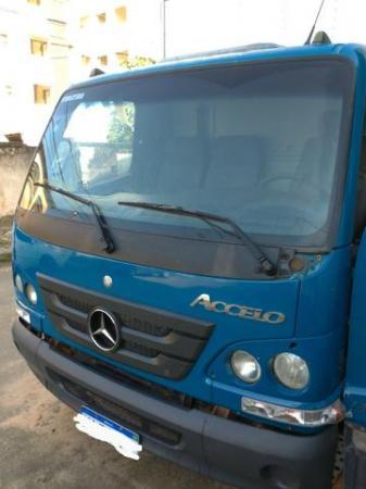 Caminhão MB Acello 815, 2012, Baú DH, Tacógrafo, AR, TE, 143.000 km, R$ 79.000,00