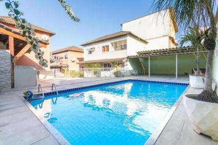 Casa duplex, 3 quartos sendo 1 suíte, 110 m² + garagem para 2 carros